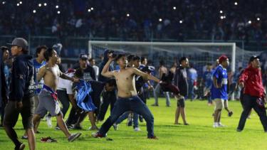 Kerusuhan Suporter pada Laga Arema vs Persib