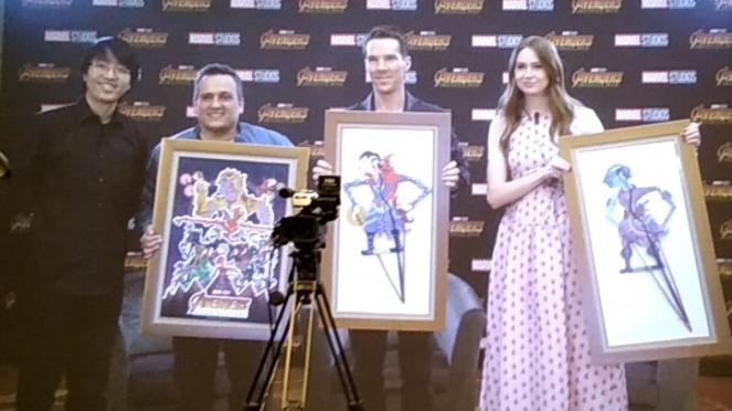 Is Yuniarto, Joe Russo, Benedict Cumberbatch, dan Karen Gillan