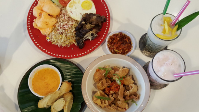 Aneka menu hidangan di Dapur Asia.
