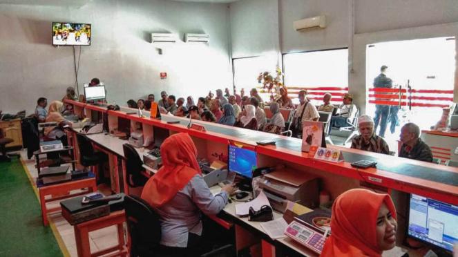 Sorot Jasa kurir - pos indonesia