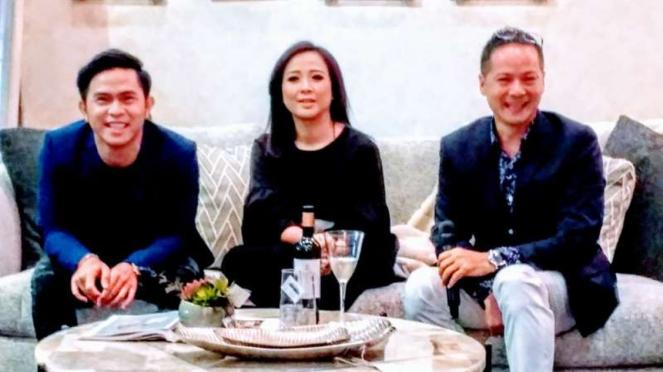 Cakra Khan (paling kiri), Astrid (tengah)