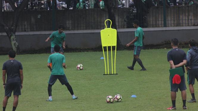 Timnas Indonesia U-23 melakukan latihan