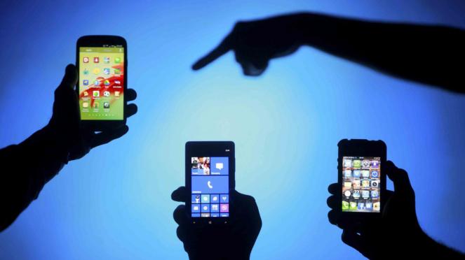 smartphone - mobile phone - hp - gadget - internet - generasi milenial