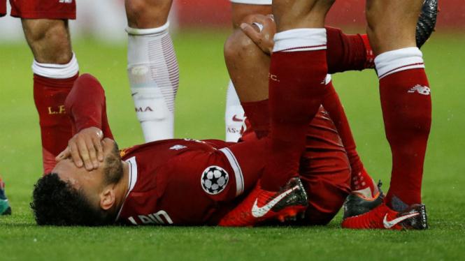 Gelandang Liverpool, Alex Oxlade-Chamberlain, cedera