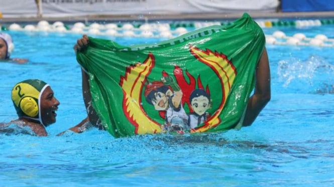 Tim polo air putra Jawa Timur.