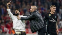 https://thumb.viva.co.id/media/frontend/thumbs3/2018/04/26/5ae155498e879-aksi-suporter-turun-ke-lapangan-pasca-bayern-munich-vs-real-madrid_213_120.jpg