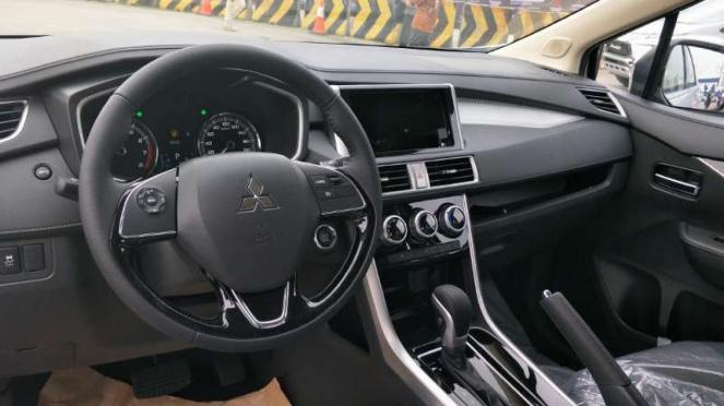 Interior Mitsubishi Xpander versi ekspor