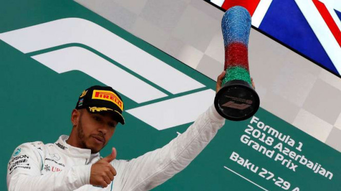 Pembalap Mercedes, Lewis Hamilton juara F1 GP Azerbaijan.