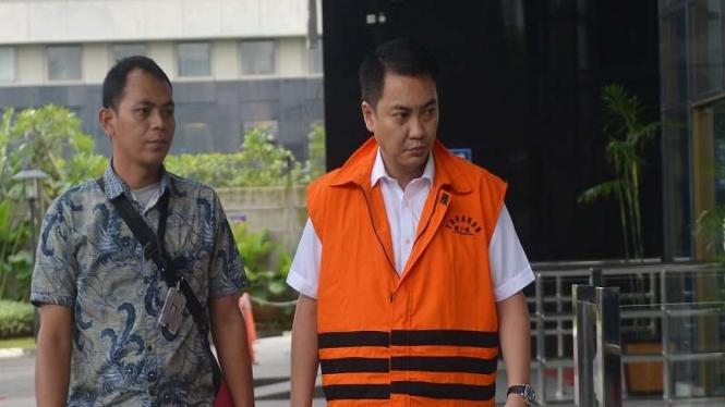 Tersangka yang juga mantan anggota Komisi I DPR Fayakhun Andriadi diperiksa KPK.