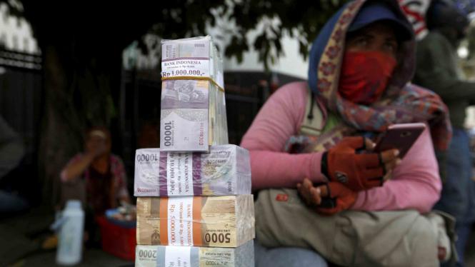 Penukaran mata uang Indonesia, Rupiah