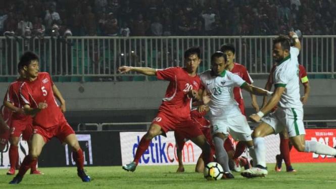 Bomber Timnas Indonesia U-23, Ilija Spasojevic (kanan).