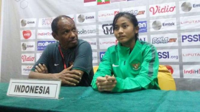 Pelatih timnas wanita Indonesia U-16, Rully Nere