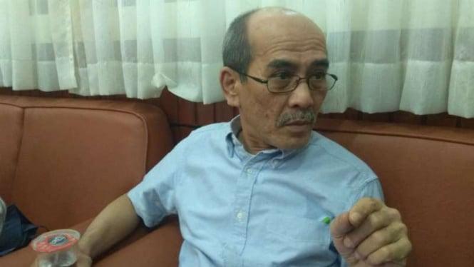 Pengamat ekonomi dan politik Faisal Basri ketika ditemui di Malang, Jawa Timur, pada Kamis malam, 3 Mei 2018.