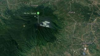 Gunung Salak.