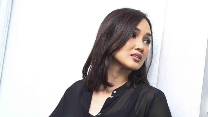 Pemeran Film Sabrina, Sara Wijayanto