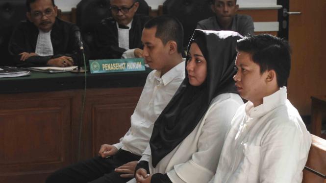 Tiga terdakwa kasus travel umrah First Travel