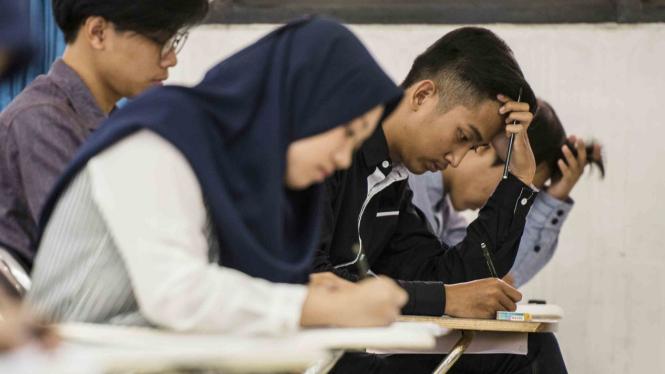 Pelaksanaan ujian Seleksi Bersama Masuk Perguruan Tinggi Negeri (SBMPTN)