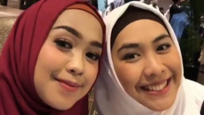 Ria Ricis dan Oki Setiana Dewi.
