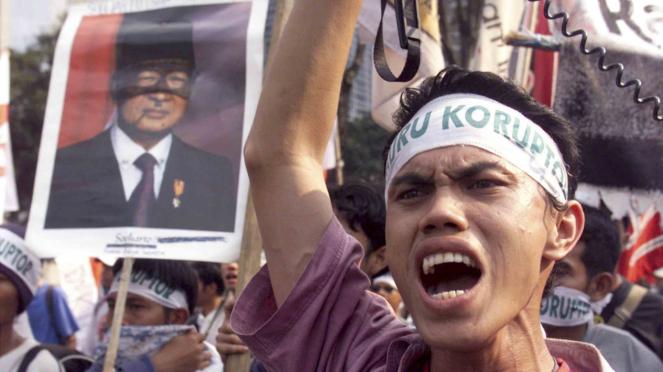 Sorot 20 tahun Reformasi - Aksi unjuk rasa pada Mei 1998 tuntut Presiden Soeharto Mundur