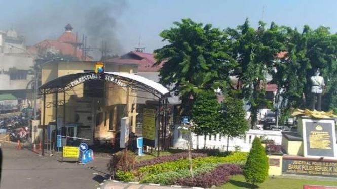 Serangan bom di Mapolrestabes Surabaya, Senin, 14 Mei 2018.