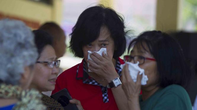 Pemakaman korban ledakan bom bunuh diri di tiga gereja di Surabaya