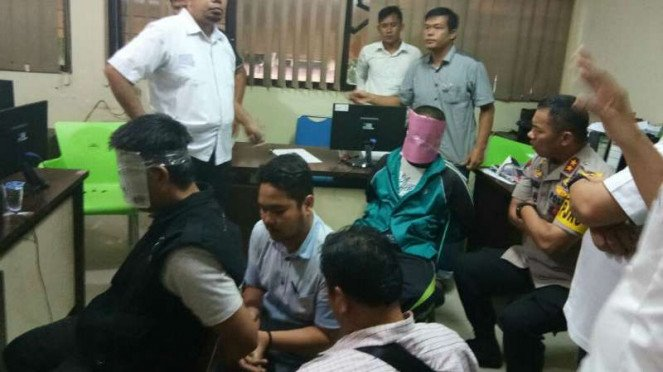 Dua terduga teroris ditangkap tim Densus 88 Antiteror bersama Polda Sumatra Selatan di Palembang pada Senin, 14 Mei 2018.
