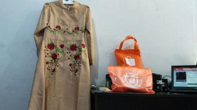 Baju gamis yang dijual Wilma Anggraeni di Shopee