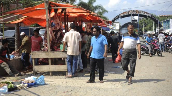 Penjual daging dadakan di Banda Aceh dalam menyambut hari Meugang
