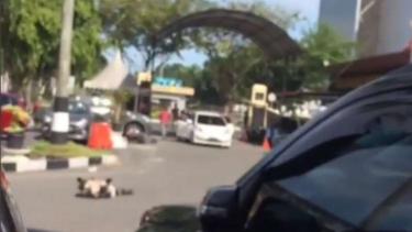 Suasana mencekam saat teroris menyerangan Polda Riau, Rabu, 16 Mei 2018.