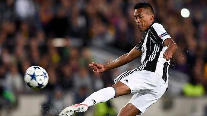 Pemain belakang Juventus, Alex Sandro