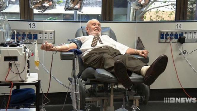 James Harrison mendonorkan darah ajaibnya untuk terakhir kali.