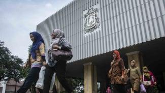 Sejumlah Pegawai Negeri Sipil (PNS) di kompleks Balaikota di Jakarta/Ilustrasi.