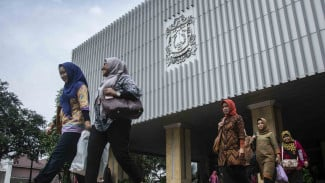 Sejumlah Pegawai Negeri Sipil (PNS) di kompleks Balaikota di DKI Jakarta/Ilustrasi.