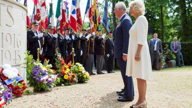 Pangeran Charles dan Camilla di peringatan berakhirnya Perang Dunia II