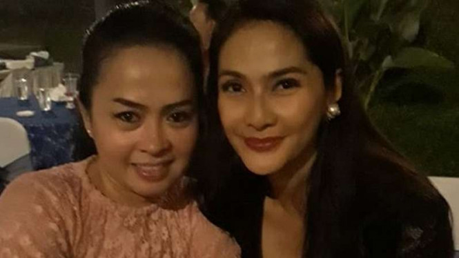 Nostalgia Sosok Munaroh Kekasih Mandra Di Sitkom Si Doel Viva