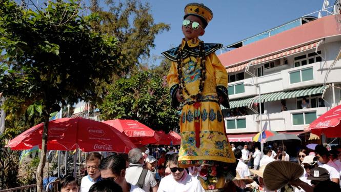 Berebut Bakpau di Festival Bun Hongkong