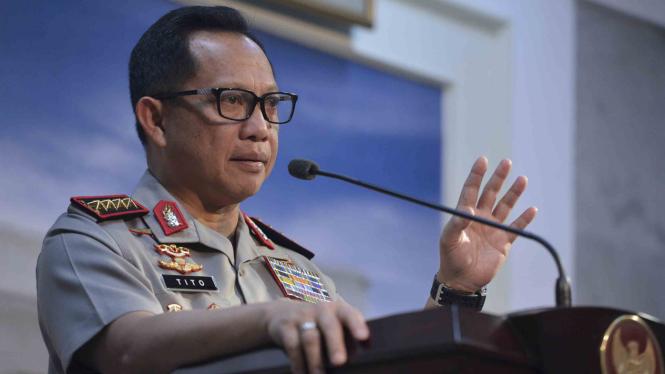 Kapolri Jenderal Pol Tito Karnavian memberikan keterangan pers