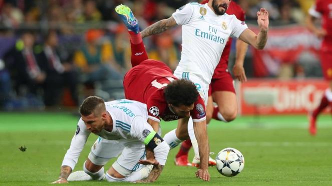 Insiden antara Mohamed Salah dan Sergio Ramos