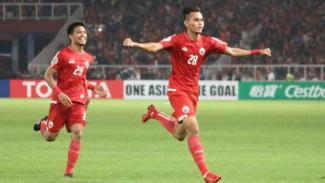 Bek Persija Jakarta, Rezaldi Hehanusa melakukan selebrasi.