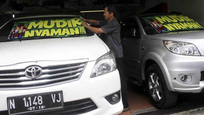 Showroom mobil bekas di Malang, Jawa Timur