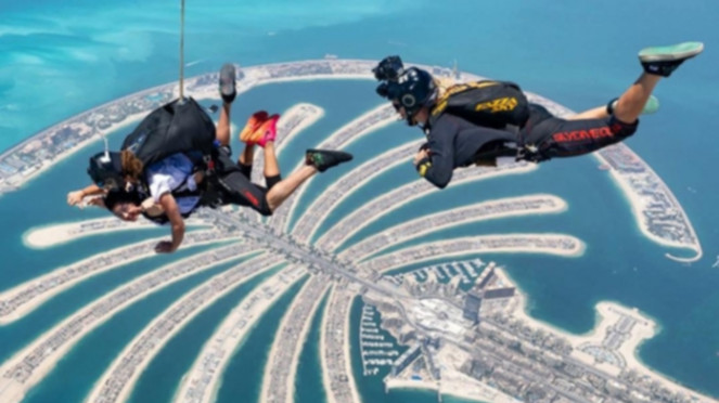 Sky DIving di Dubai
