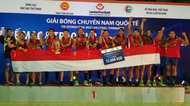 Timnas voli putra Indonesia juara di Vietnam.