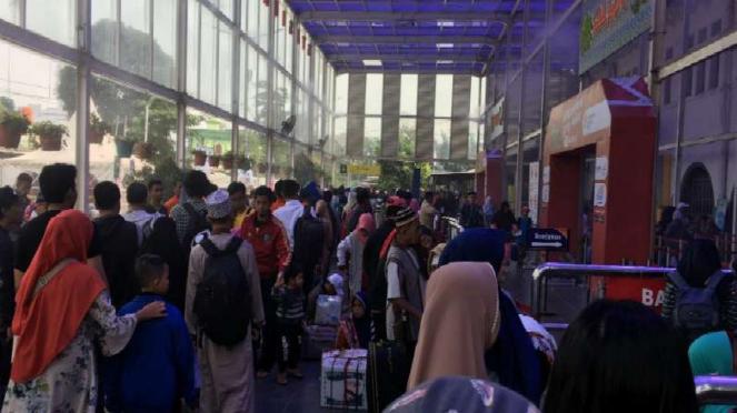 Suasana di Stasiun Senen Jakarta Pusat pada H-9 mudik lebaran