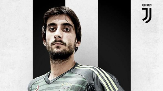 Penjaga gawang anyar Juventus, Mattia Perin