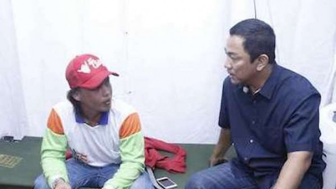 Hendrar Prihadi saat menjenguk salah satu pemudik yang melintasi kota Semarang