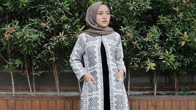Tiru 5 Gaya Fesyen Nissa Sabyan untuk Lebaran – VIVA 404dada124