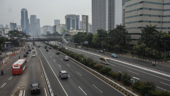 Suasana jalan protokol Jakarta pada H-3 Idul Fitri 1439 H, Selasa, 12 Juni 2018.
