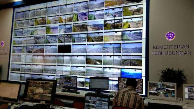 Pantauan CCTV Posko Lebaran di Kemenhub