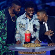 Para pemain Black Panther menerima penghargaan di MTV Movie and TV Awards 2018