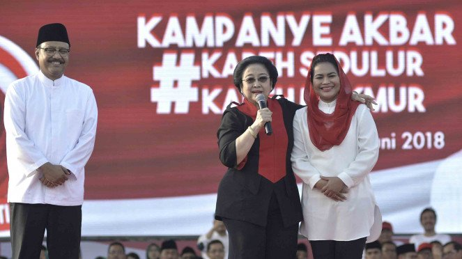 Cagub Jatim Saifullah Yusuf atau Gus Ipul (kiri) dan Cawagub Puti Guntur Soekarno (kanan)